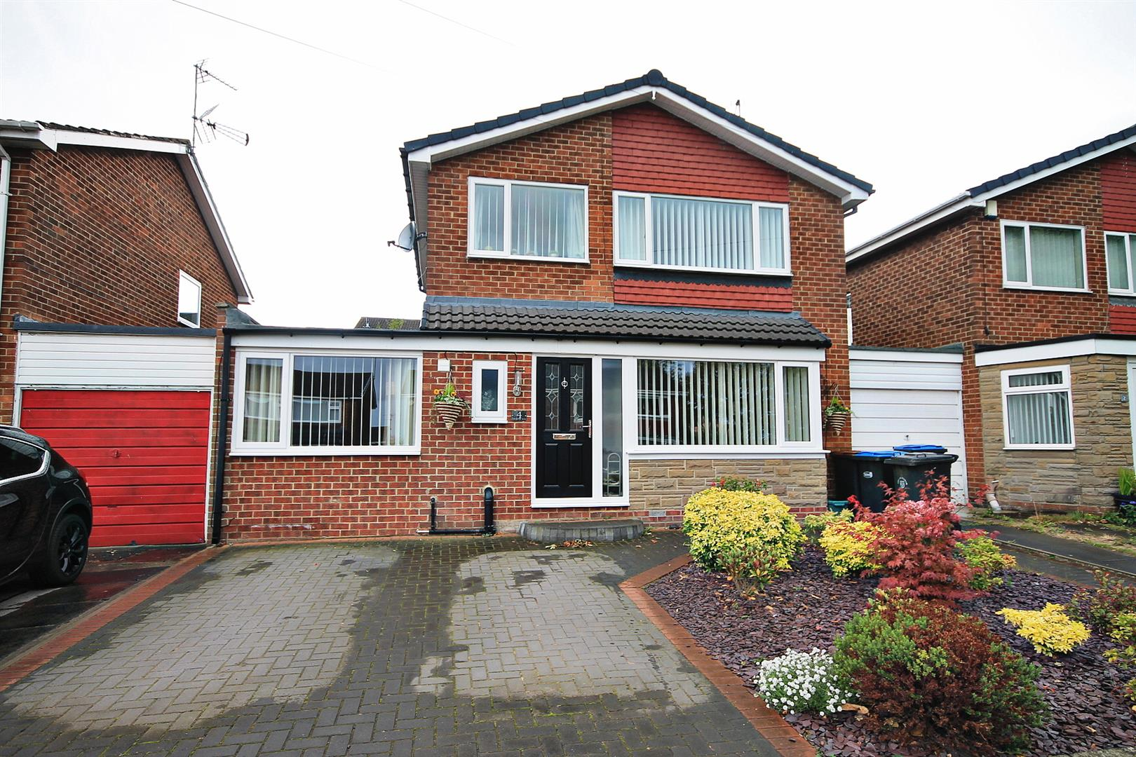3 Bedrooms Link Detached House for sale in Chichester Road, Newton Hall, Durham